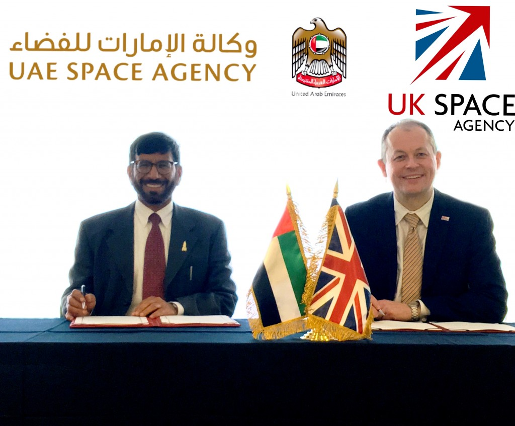 From left: Dr Khalifa Al Romaithi, Chairman of the UAE Space Agency, and David Parker, CEO of the UK Space Agency, sign the MOU.