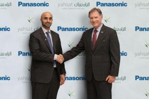 Masood M. Sharif Mahmood, CEO of Yahsat (left), and Paul Margis, President and CEO of Panasonic Avionics (right). Photograph courtesy of Yahsat.